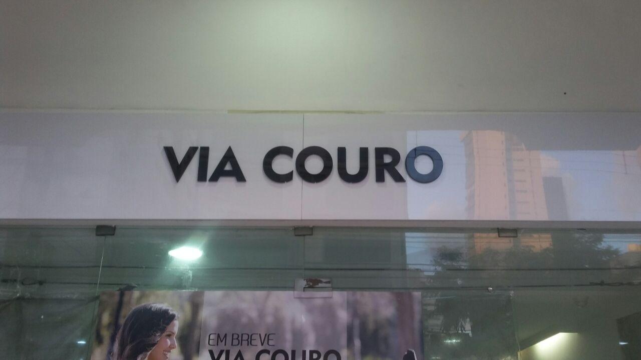 Letras caixa em acrilico para via couro feito pela Concórdia Placas em Recife