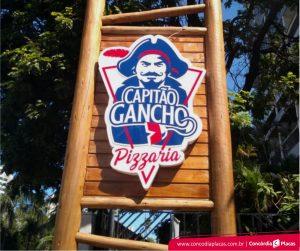 Capitão Gancho Pizzaria – Placa de Acrílico Caixa Alta Luminosa Com Letras Sobrepostas