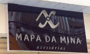 Mapa da Mina Placa de Caixa Alta Letras Sobrepostas
