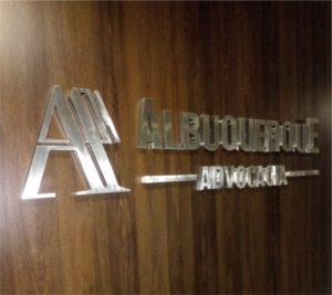 Letreiro em Aço Inox – Albuquerque Advocacia