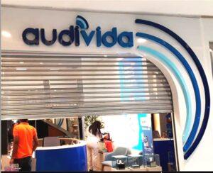 AUDI VIDA – Letreiro em Acrílico com Caixa Alta